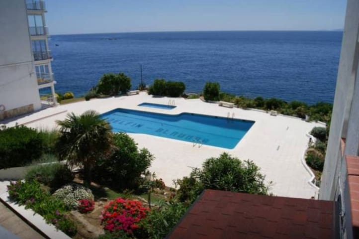 Superb studio 2 p  front of the sea with swim pool - Roses - Apartment