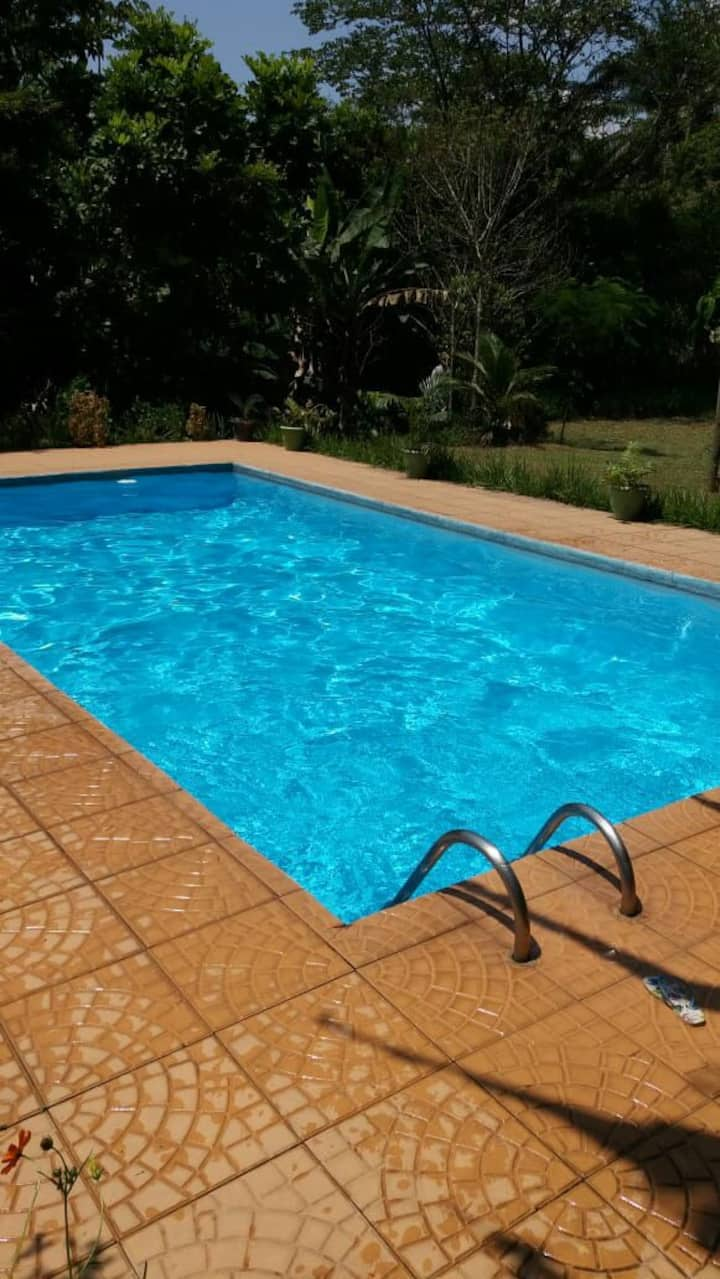 Sítio exclusivo com 2 piscinas R$700