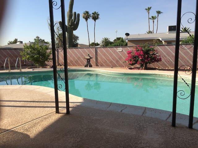 2000 sq ft 3 bedroom single family in  Arizona.