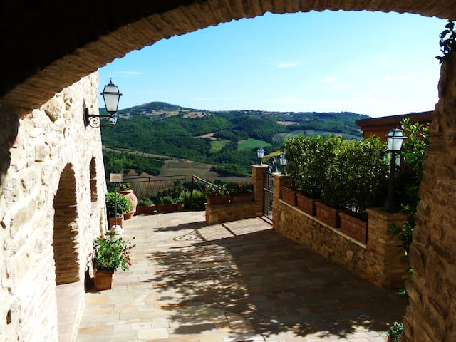 The relax you need in stunning Umbrian countryside - Saragano - Leilighet