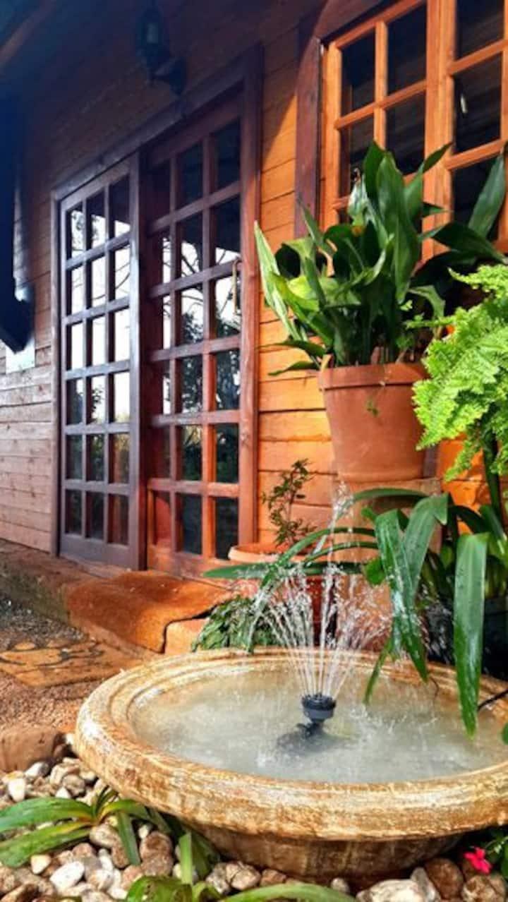 Woodland Gardens - Loerie Chalet (sleeps 3)