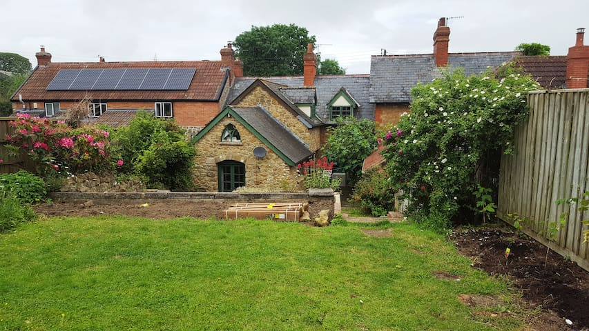 Charming and quiet 4 bedroomed Somerset cottage - Puckington - Hus