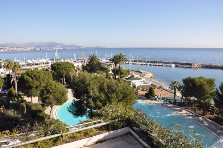 Room +bath for 2 on French Riviera - Villeneuve-Loubet - Apartment