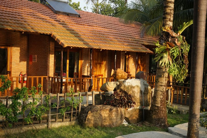 Y Nghia | Triple Bungalow | Pool & Garden #1