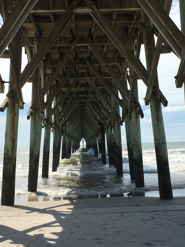 Entire condo. Surf City. Short drive to beach