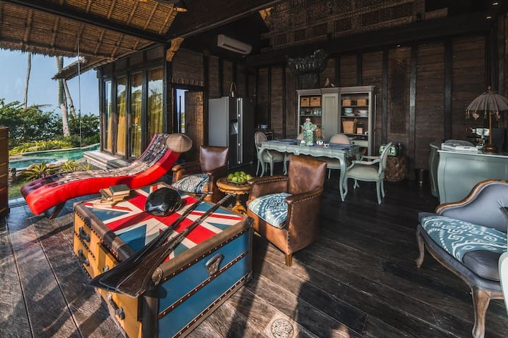 Honeymoon Beachfront  villa Laut - Bali - Huvila