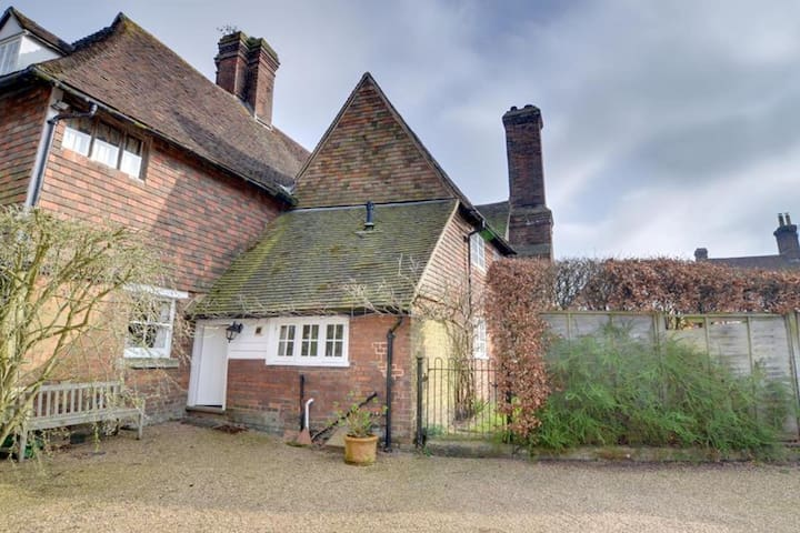 Spacious and bright accommodation full of original beams and antique furniture