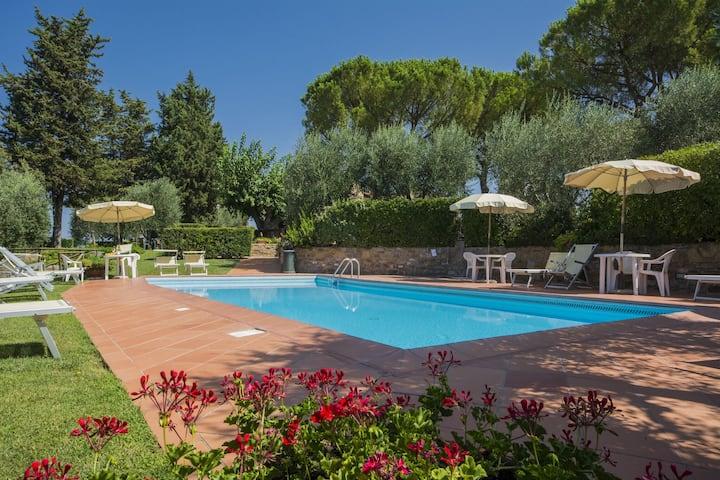 Fijn appartement in Castelfiorentino met gedeeld zwembad
