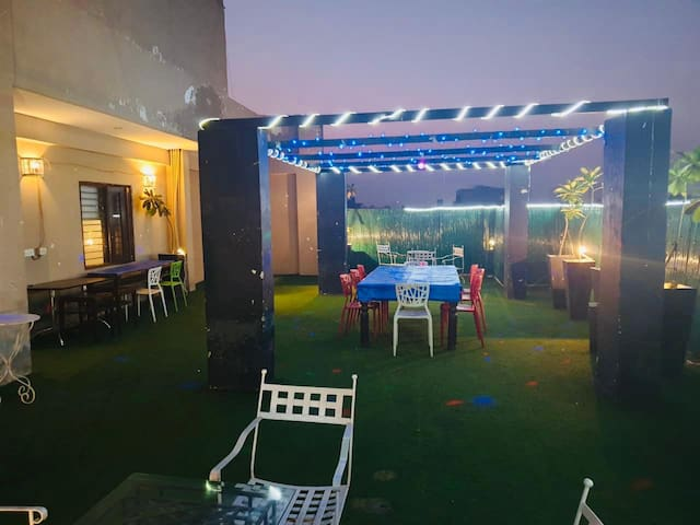 Open Terrace for party with 3 rooms