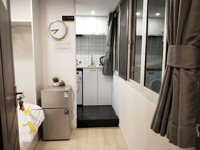 【静谧小屋】外滩&南京东路步行街 温馨一居室~