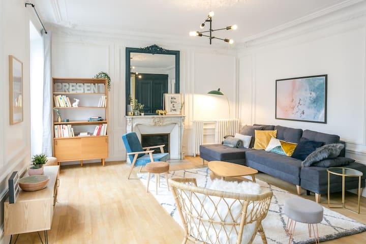 Stylish Haussmann Apartment - Paris Centre
