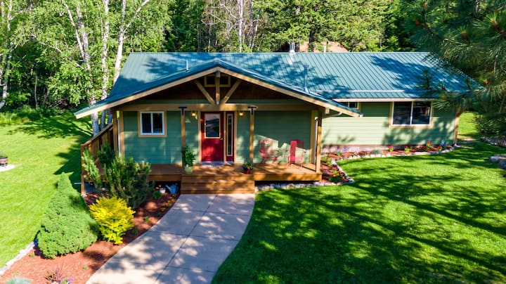 Adorable Whitefish Home on 1 Acre