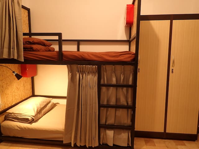 BANYAN.D, Female dorm by 2 bunk beds