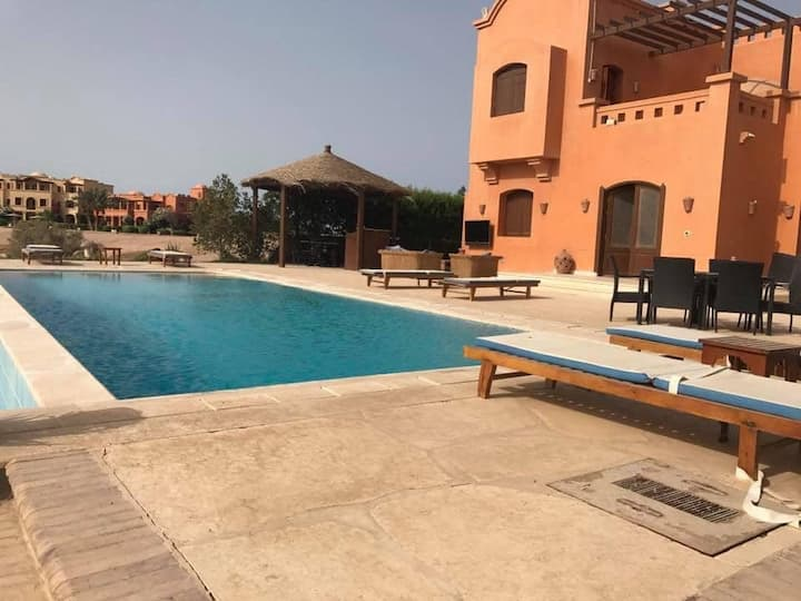 4bd villa ,private swimming pool , El Gouna GRV148