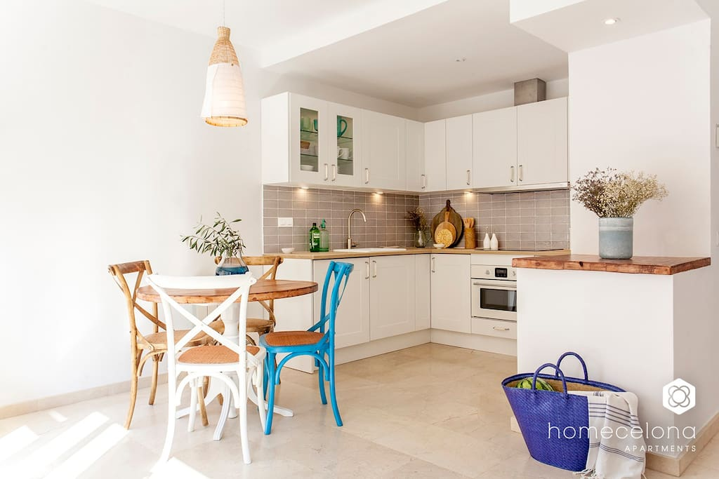 Homecelona Apartments Experience & Local Guides