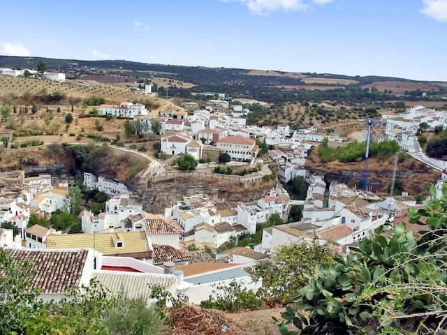Traditional house w/ gorgeous views - Setenil de las Bodegas - Huis