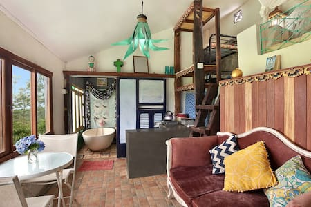 Family room in a private villa - Sukasada - Casa de campo