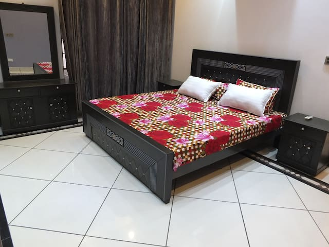 Two Bed Excellent accomodation Garden Town Gulberg