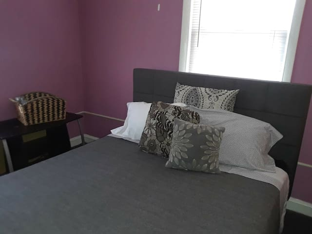 NJ Charming Room3 with queen bed