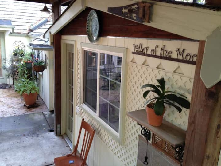 The Wash Room - walking distance to Glen Ellen