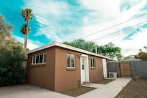 Enjoy Your Privacy Here: Historic DTPHX Guesthouse