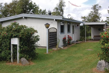 Holiday cottage with 3 bedrooms on 54m² in Stubbekøbing