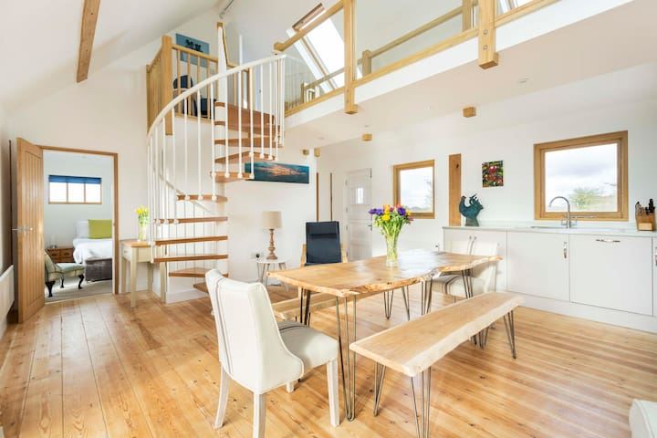 Sheepwash Barn - sleeps 6 - West Wittering - Dom