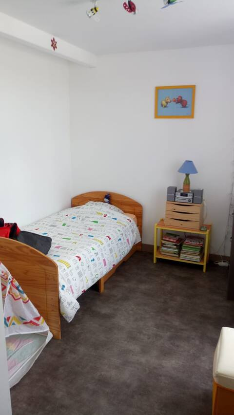 Chambre solo, lit individuel