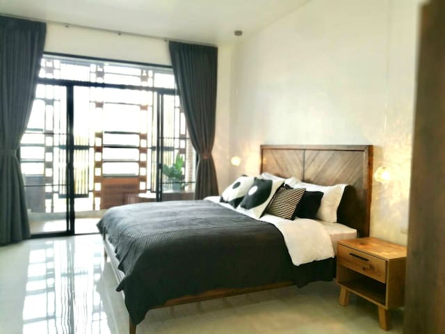 Grand Bedroom at 3rd floors and private terrace. King size bed and bath tub in 30 sqm.