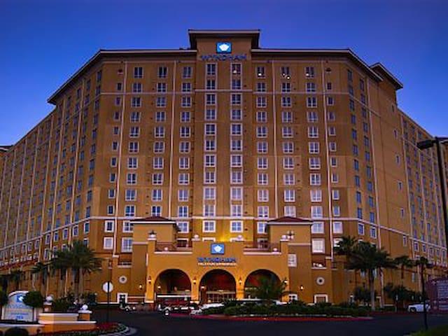 Las Vegas Grand Desert 2 Bedroom Luxury Condo - Las Vegas - Kondominium