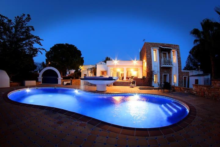 Villa Jasmin in San Antonio - Sant Antoni de Portmany - วิลล่า