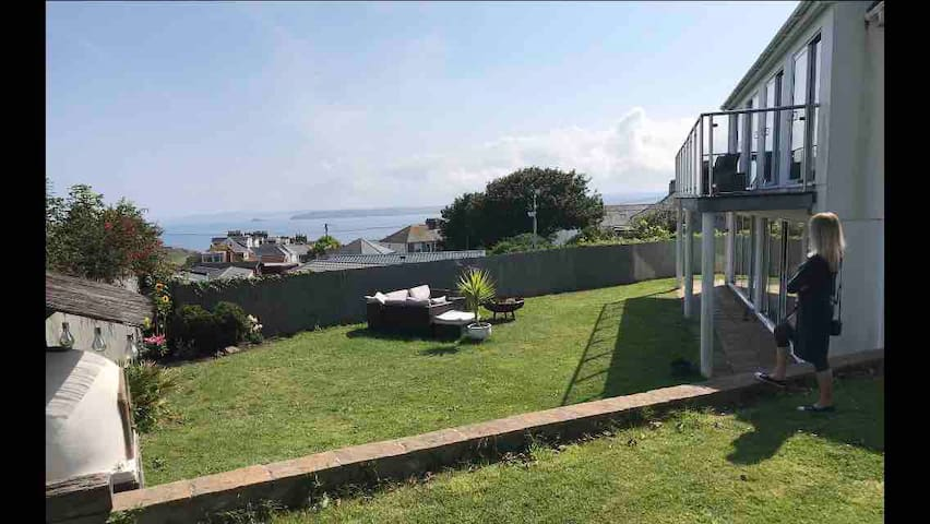 Ayr Garden above Porthmeor beach St Ives + parking