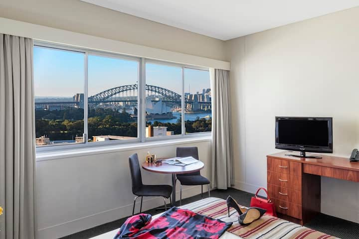 Self contained Harbour View  Studio Apartment