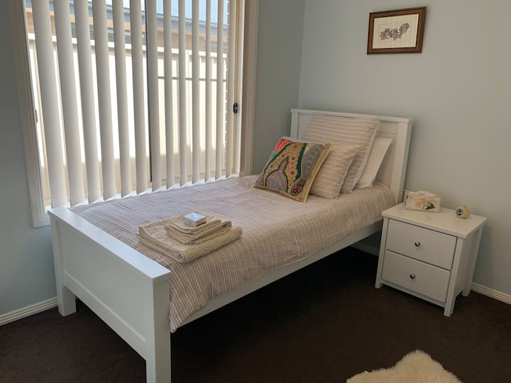 Private bedroom close to town centre