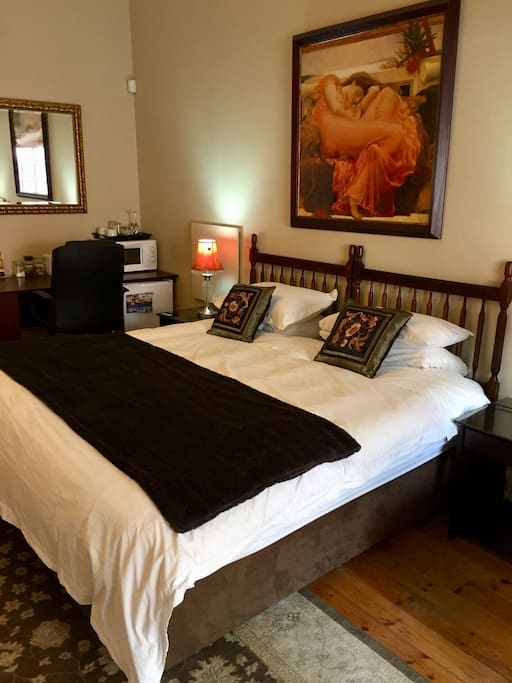 Room 3 - King size bed or two single beds available