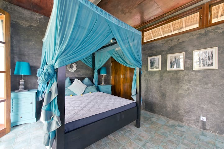 Firefly Eco lodge -blue room