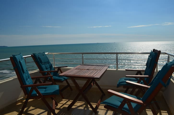 Beautiful Sea View Apartment in Durres - 075