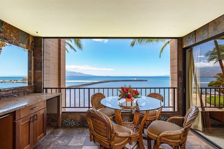 Maui Prime Ocean Front View For Boat Lovers! *Maalaea Yacht Marina 309*