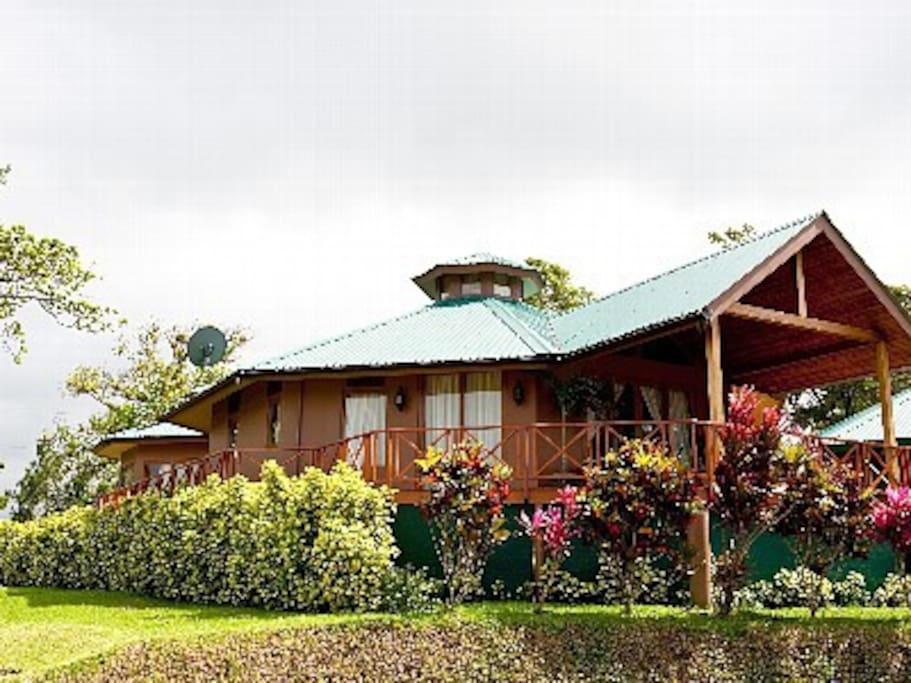 casa lago arenal Main House (2 BR +attached bath)