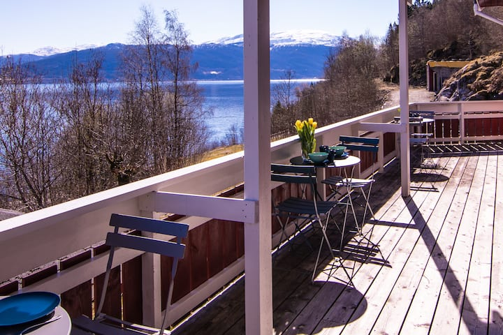 Balestrand Guesthouse/For big families or groups