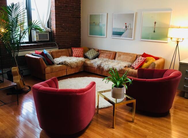 Chic Brooklyn Artist Loft w/ Stunning Views