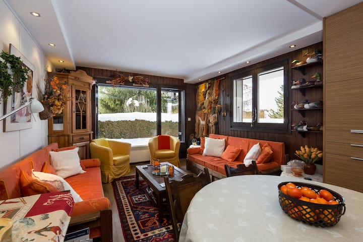 Cozy, Renovated + Garden to Enjoy Your Holidays