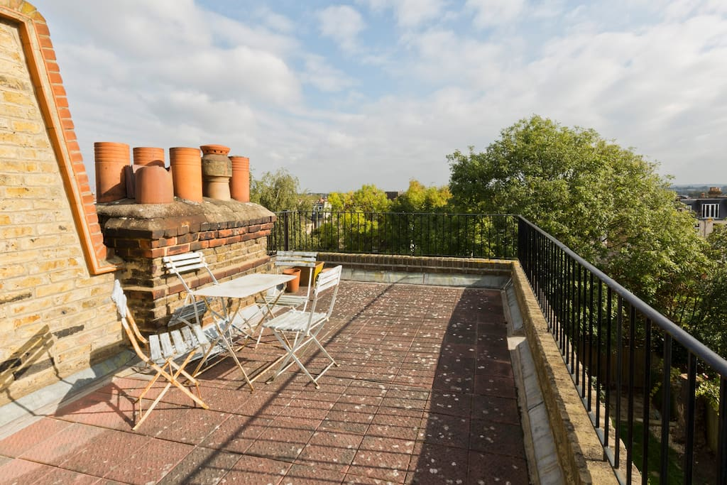 Large roof terrace with panoramic views over London