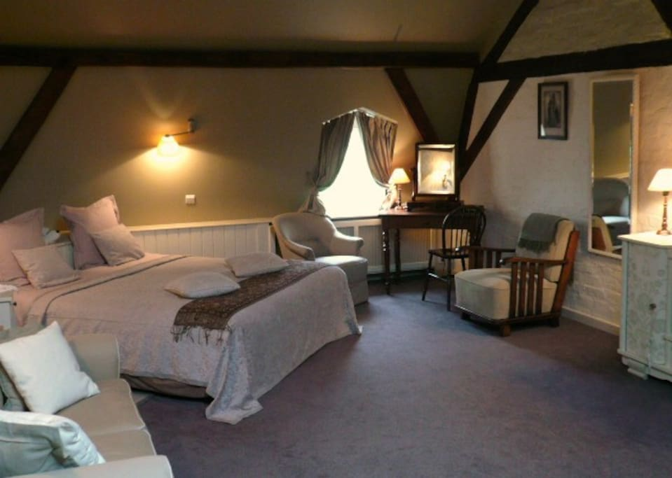 Luxurious and romantic canalside room chambres d 39 h tes for Chambre d hote belgique