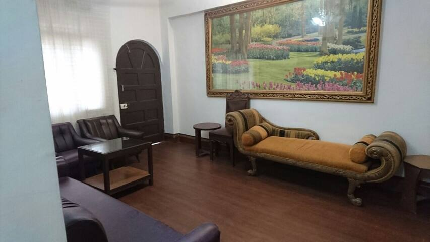4. Double Bedroom with A/c and Attatched Bathroom - Bombaim - Apartamento