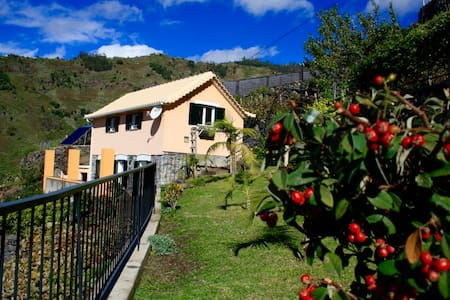 Eco FarmHouse with view to the ocean and mountains - Tabua - 別荘