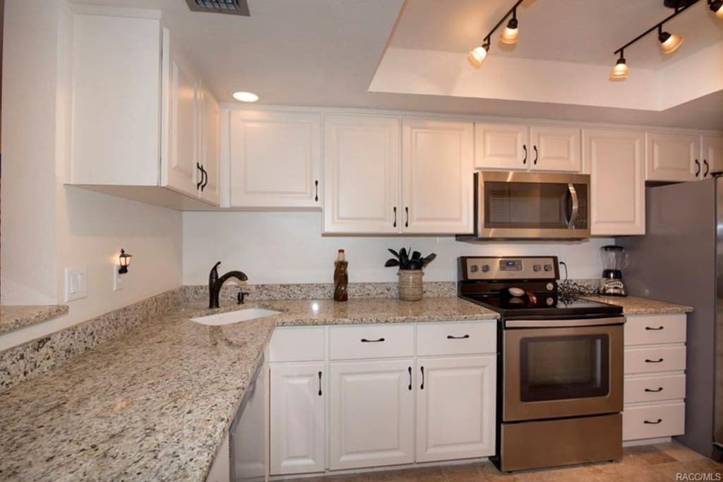 Fully Updated Kitchen W/ Granite Counter Tops & New Stainless Steel Appliances