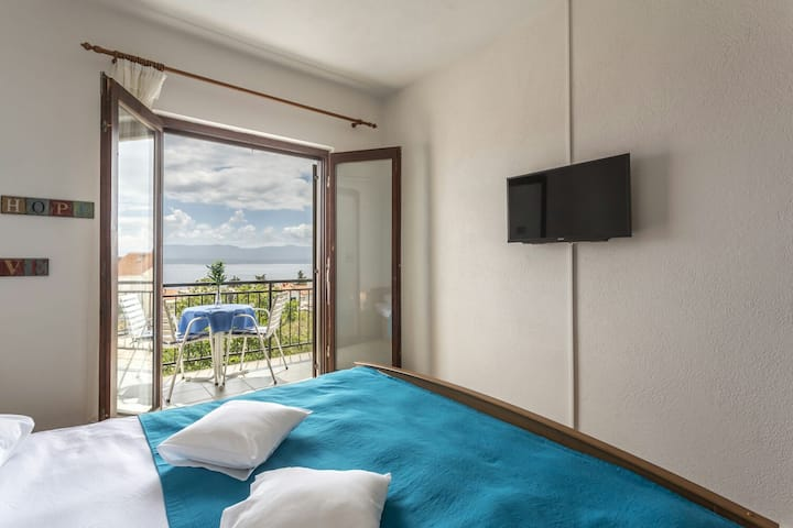 SuperStay Bol with sea view (2 persons) 1BD