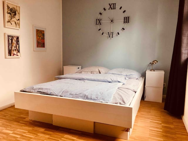 Room in St. Pauli, optimal location