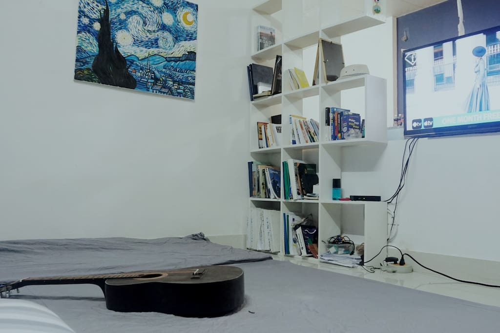 Extra Mattress for you to sleep in open space for group with cable TV